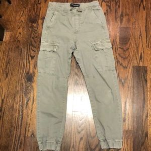 Boys cargo pants / worn once /size L (10/12)